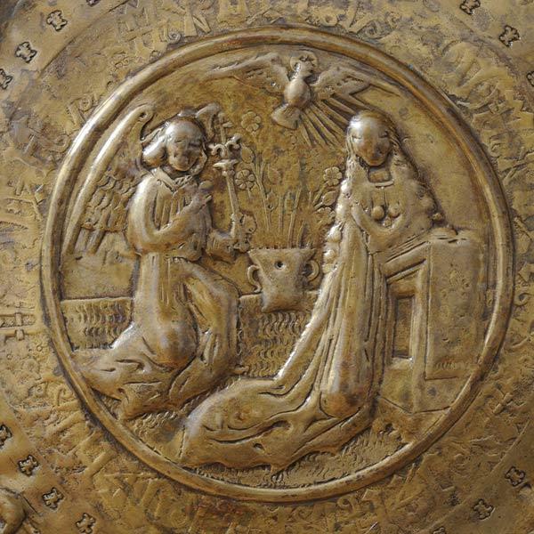 Ausschnitt der Taufschüssel in der St. Marienkirche