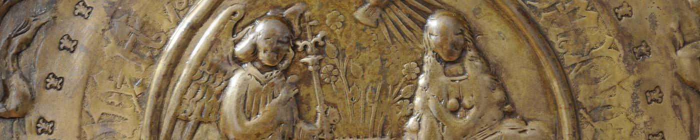 Ausschnitt der Taufschüssel Detail Verkündigung in der St. Marienkirche Berlin