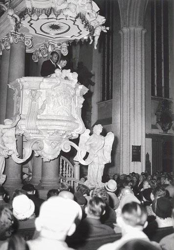 Martin Luther King auf der Kanzel von der St. Marienkirche